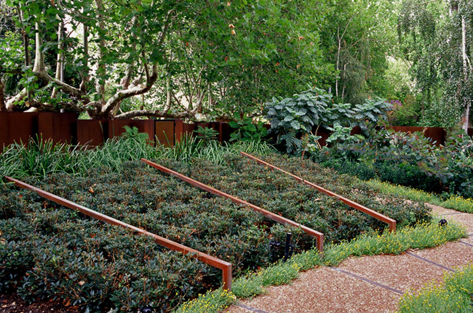 Front Garden_0007s_0004_Wyles-14