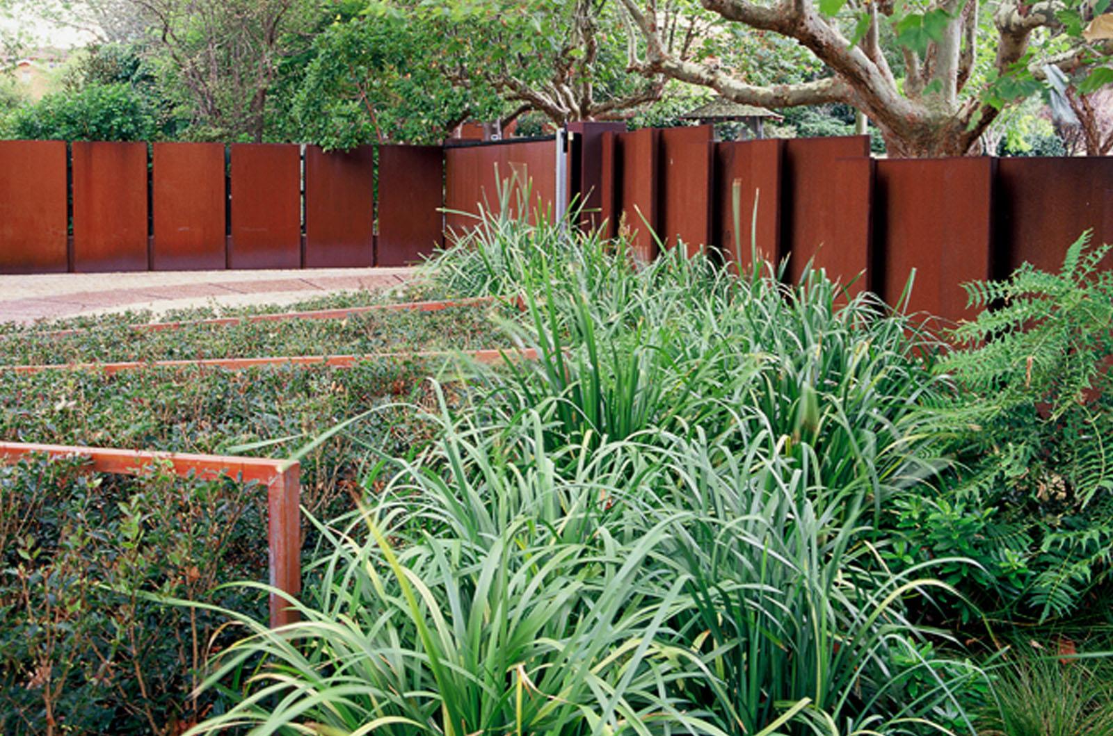 Front Garden_0007s_0005_Wyles-13