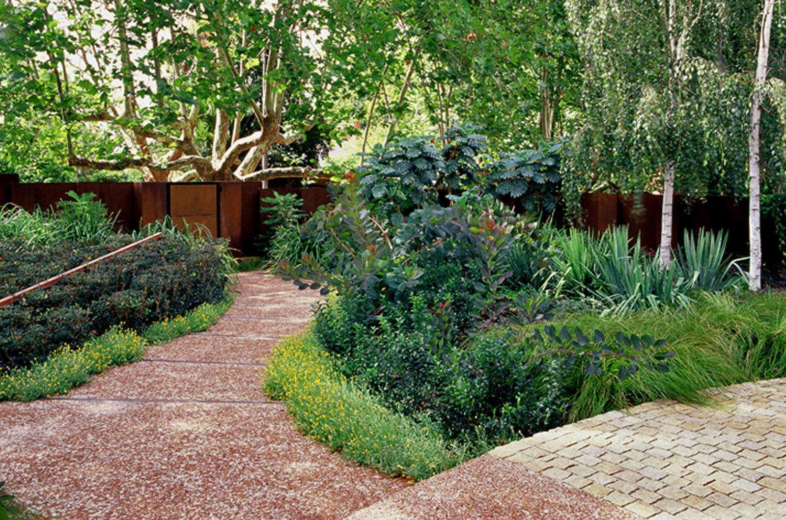 Front Garden_0007s_0007_Wyles-11