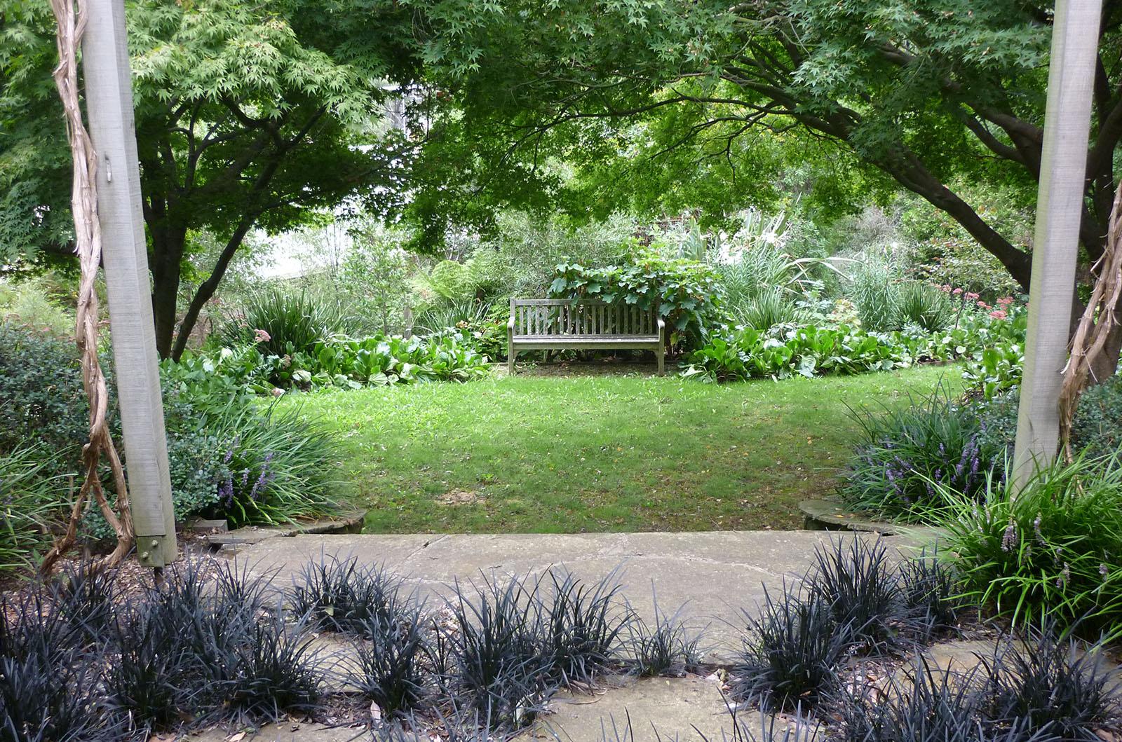 Garden in the Hills_0000s_0007_Vinen 5