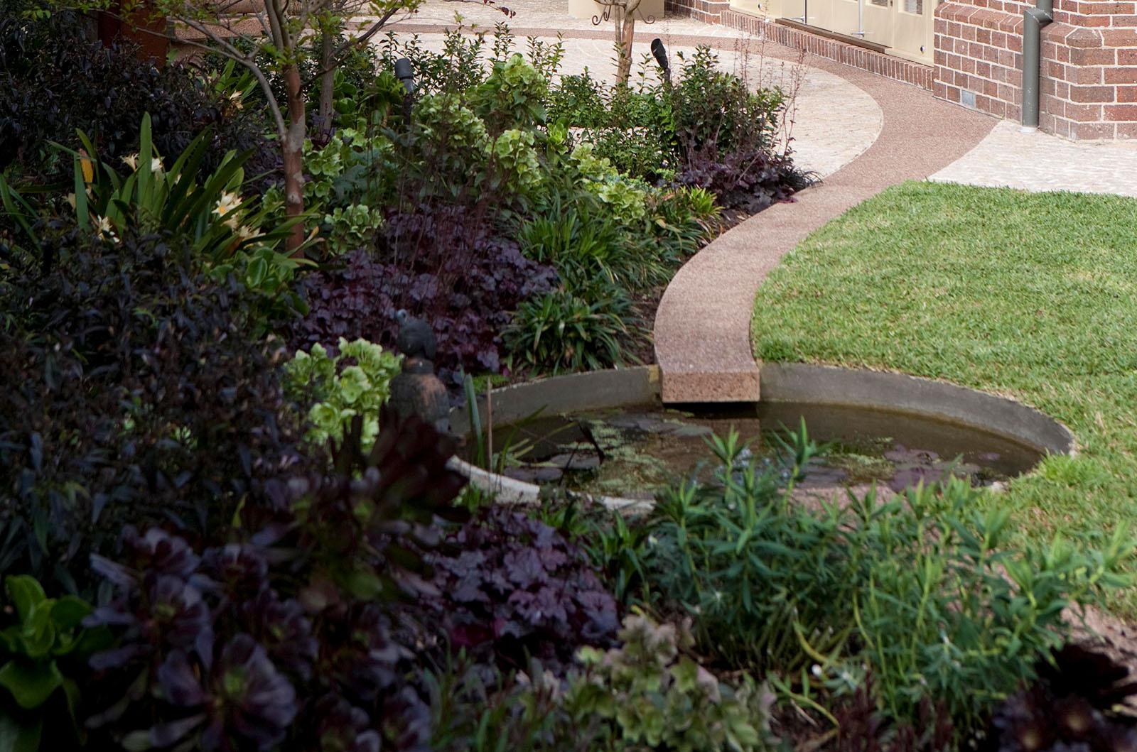 Sculptured Garden_0005s_0001_Hughes 9